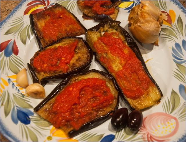 eggplant & tomato sauce
