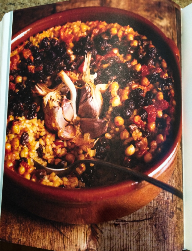 Roden baked rice and chickpeas