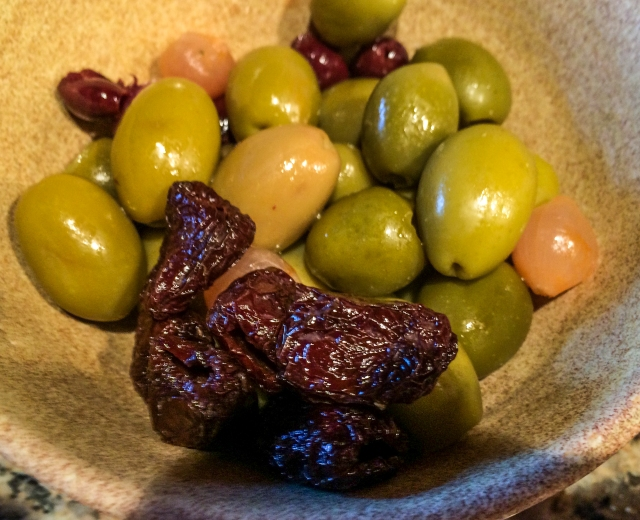 mixed olives incl Botija