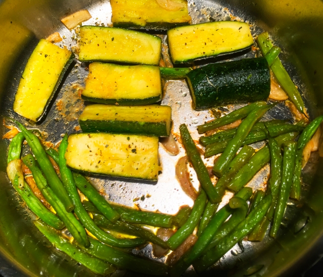 braised zucchini and green beans with oregano